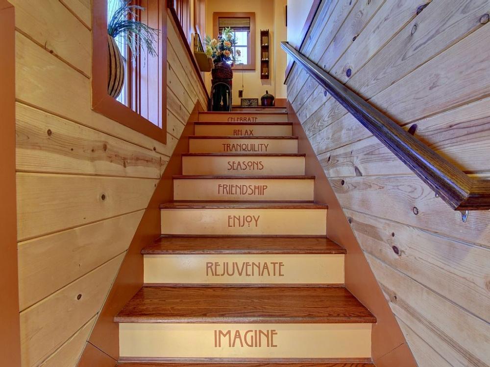 <strong>L'escalier et les chambres.</strong>