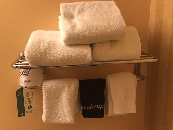 Une serviette conçue pour se démaquiller