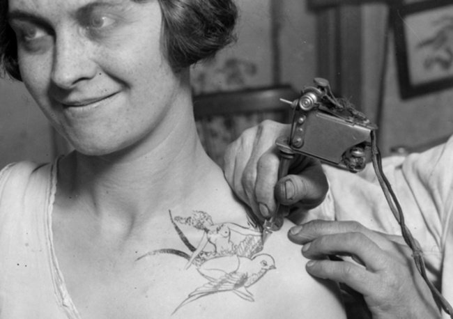 Premières machines à tatouage en 1928