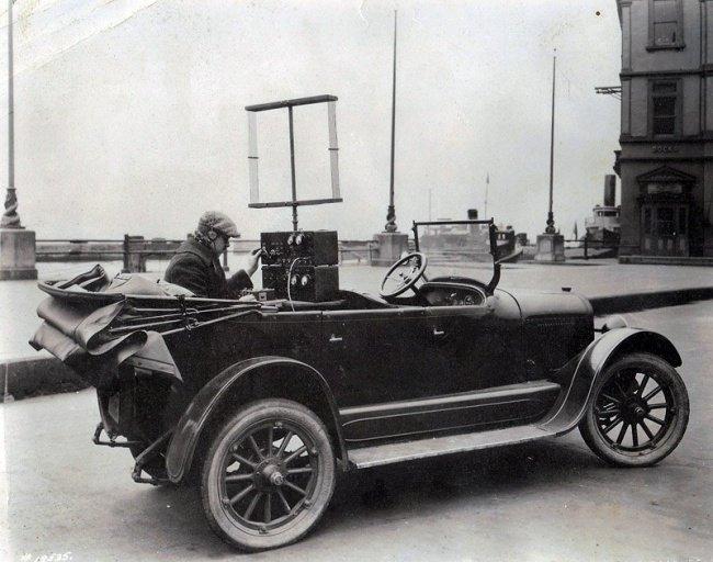 Première version du téléphone mobile en 1924