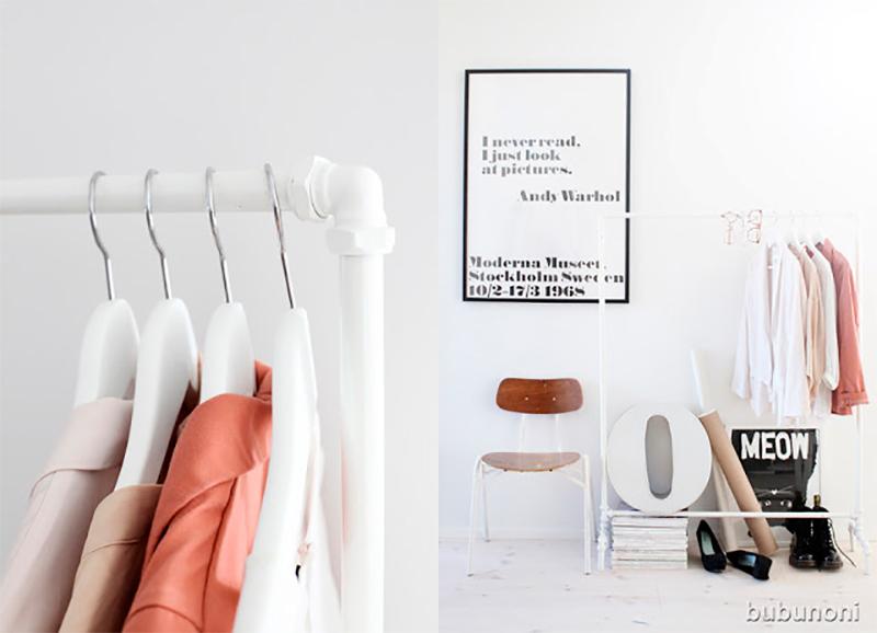 Créer un présentoir de vêtements en assemblant plusieurs tubes de PVC et leurs joints, comme en boutique.