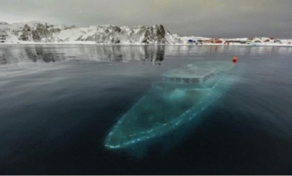 Yacht coulé – Antarctique