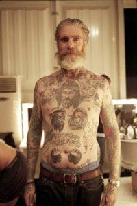 Nous somme tatoués, et alors ? Dixit des personnes fières de leurs tatouages…