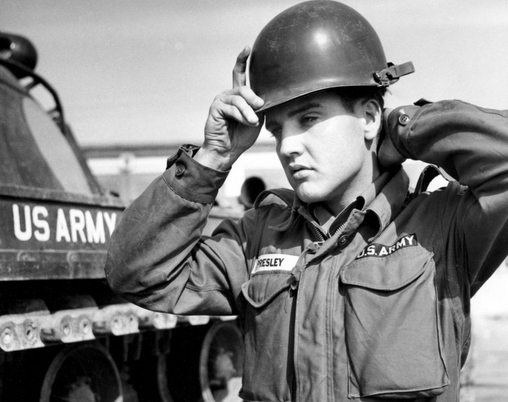 Elvis Presley a été affecté à la 3e division à Friedberg, en Allemagne et rencontra Priscilla