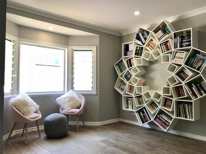 Le couple a passé 16 heures à créer ce chef-d'œuvre d'étagère